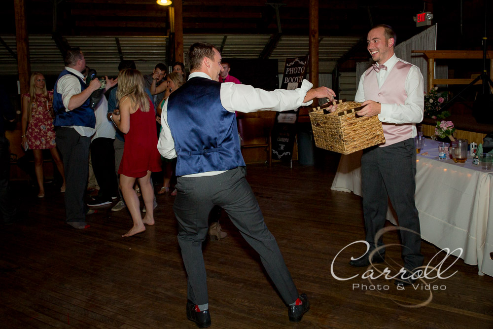 Beautiful Wedding Pictures at reception in Salem Ohio at Salem Saxon Club by Alliance Ohio Wedding photographers Carroll Photo & Video